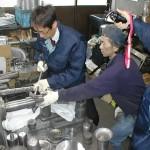 産業技術研究所ヘラ絞り体験