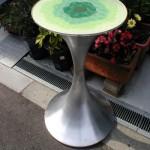 ヘラ絞りサイドテーブル