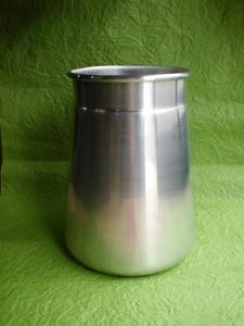 ミルク缶ヘラ絞り製品